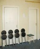 Het vouwen van stoelen en kruk Stock Afbeelding