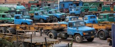 Het Vrachtwagenparkeren Stock Foto's