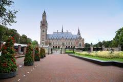 Het Vredespaleis - Internationaal Gerechtshof in Den Haag, Stock Foto's