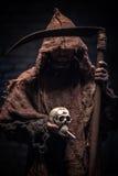 Het vreselijke doodskarakter stelt u voor om te roken Stock Afbeelding