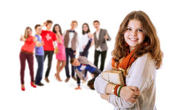 Het vrij jonge portret van het studentenmeisje met vrienden Royalty-vrije Stock Afbeeldingen