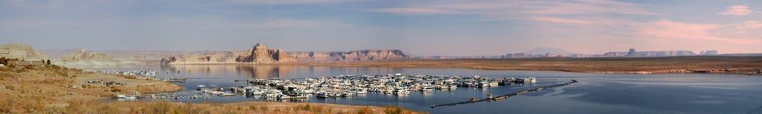 Het vroege Panorama van de Ochtend van Jachthaven Wahweap stock fotografie