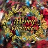 Het vrolijke Kerstmis gouden van letters voorzien op vage achtergrond met decoratief kader Stock Fotografie