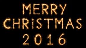 Het VROLIJKE KERSTMIS 2016 van letters voorzien getrokken met Bengaalse fonkelingen Royalty-vrije Stock Foto