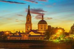 Het vrouwelijke klooster van Catherine op de bank Volga in Tver, Rusland stock foto