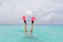Het vrouwelijke snorkelen Stock Afbeeldingen