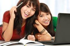 Het vrouwelijke student glimlachen royalty-vrije stock foto