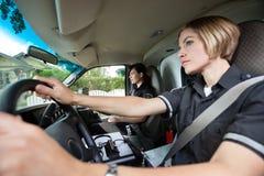 Het vrouwelijke Team van de Paramedicus Stock Afbeeldingen