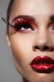 Het vrouwengezicht met Creatieve Manierkunst maakt omhoog Royalty-vrije Stock Foto