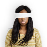 Het vrouwenoog behandelde Blind Verboden Verloren Concept royalty-vrije stock foto