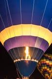 Het Vuren van de hete Luchtballon Stock Foto's