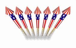 4 het vuurwerk van de de flessenraket van juli tijdens de vlucht Stock Afbeelding