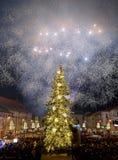 Het vuurwerk van de nieuwjaar` s Vooravond Royalty-vrije Stock Fotografie