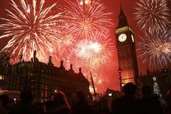 Het vuurwerk van de oudejaarsavond Stock Foto