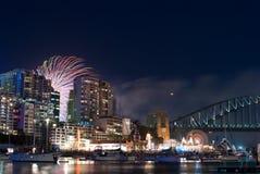 Het Vuurwerk van de Vooravond NYE van het Nieuwjaar \ 's van de Haven van Sydney stock fotografie