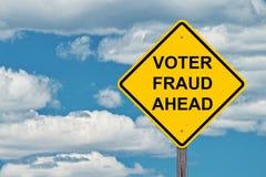 Het Waarschuwingsbord van de kiezersfraude vooruit stock foto