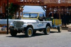 Het wachten Jeep voor duikers royalty-vrije stock foto