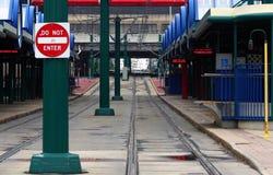 Het wachten op de Trein stock foto