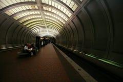 Het wachten op de Volgende Trein stock afbeelding