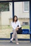 Het wachten op een bus Royalty-vrije Stock Afbeeldingen