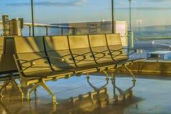 Het wachten op een vlucht Royalty-vrije Stock Afbeeldingen
