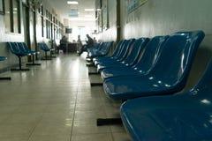 Het wachten stoel in het ziekenhuis Royalty-vrije Stock Foto's