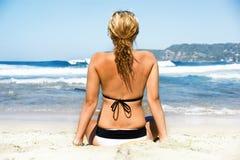 Het wachten Surfer Royalty-vrije Stock Foto