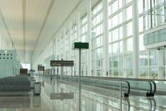 Het wachten van de luchthaven Stock Foto's