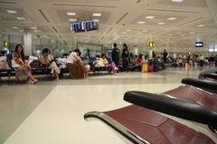 Het wachten zitkamer in de luchthaven Stock Afbeelding