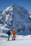 Het wachtende voor ski?en bergaf begin - Portret Stock Afbeelding