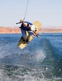Het wakeboarding van de mens bij Meer Powell 08 royalty-vrije stock fotografie