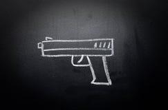 Het wapen trekt gewist op bord - geen geweldconcept royalty-vrije stock afbeeldingen