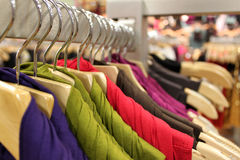 Het warenhuis van de kleding stock afbeelding