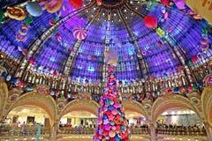 Het warenhuis van fayette van galerijla, in het centrum van Parijs December 2018 stock fotografie