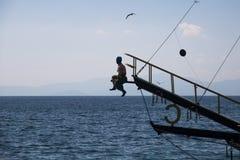 Het wascijfer van Turks obstructie voert is in bijlage aan de rostra van een Turks genoegenjacht Stock Foto