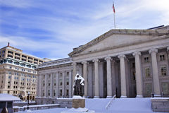 Het Washington DC van de Sneeuw van de Afdeling van de Schatkist van de V.S. Stock Foto