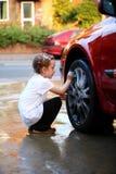 Het wassen van de auto Stock Afbeelding