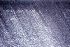 Het Water dat van de dam Calmly stroomt Stock Foto's