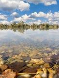Het water en de aard van wolken royalty-vrije stock afbeeldingen