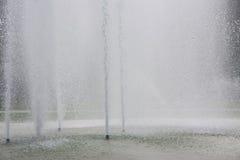 Het water van de fontein stock afbeeldingen