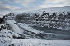 Het water van Gullfoss in IJsland Stock Foto's