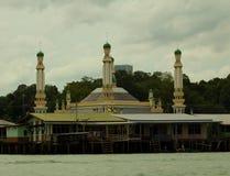 Het waterdorp van Brunei met Moskee geroepen Kampong Ayer in Bandar Seri Begawan Stock Afbeeldingen