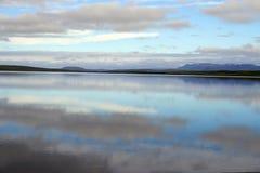 Het waterlandschap van de pastelkleur stock foto's