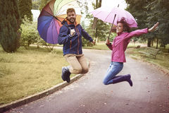 Het weer van de herfst Houten gang Stock Foto's