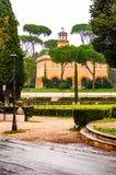 Het Weergeven door de parkinstallaties op Casinodell 'Orologio, vroeger was huis van de tuinman Rond 1791 werden langs gewijzigd  royalty-vrije stock afbeeldingen