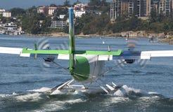 Het weggaan van het watervliegtuig stock afbeelding