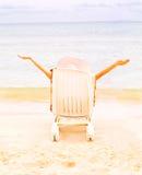 Het welkom heten van het meisje zon Stock Foto