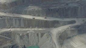 Het werk in een mijnbouwcarrière ontwikkeling van de carrière Lucht Mening stock footage