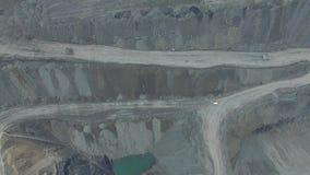 Het werk in een mijnbouwcarrière ontwikkeling van de carrière Lucht Mening stock video