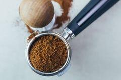 Het werk en het binnenland van de koffiewinkel stock foto